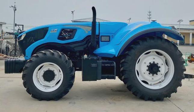 中科原动力:智能无人拖拉机 亮相黑土粮仓科技成果对接会