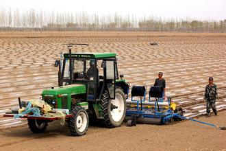阜阳:拿出2.3亿元农机购置补贴资金来助力现代农业发展
