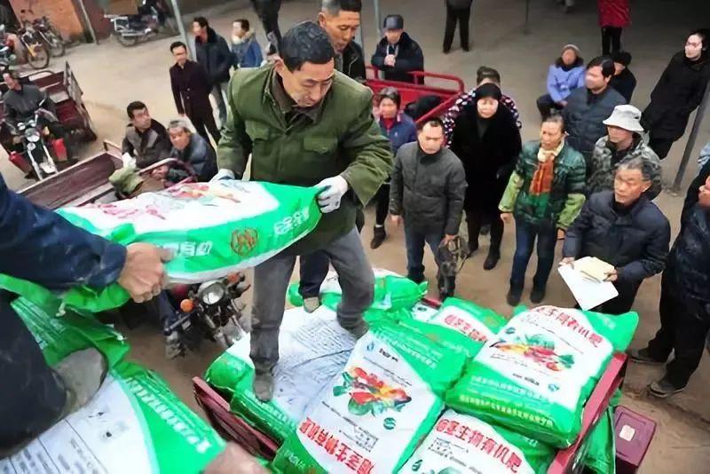 """全国执行!中央铁令:必须实施""""有机肥替代化肥""""!肥料行业大地震要来了!"""