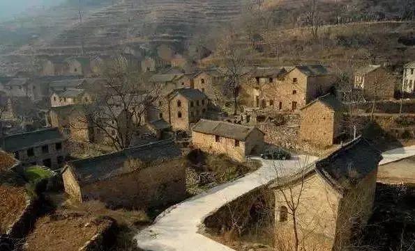 【三农反思】中国农村正在死去,把乡村当做歇脚驿站是我们这代人的悲哀