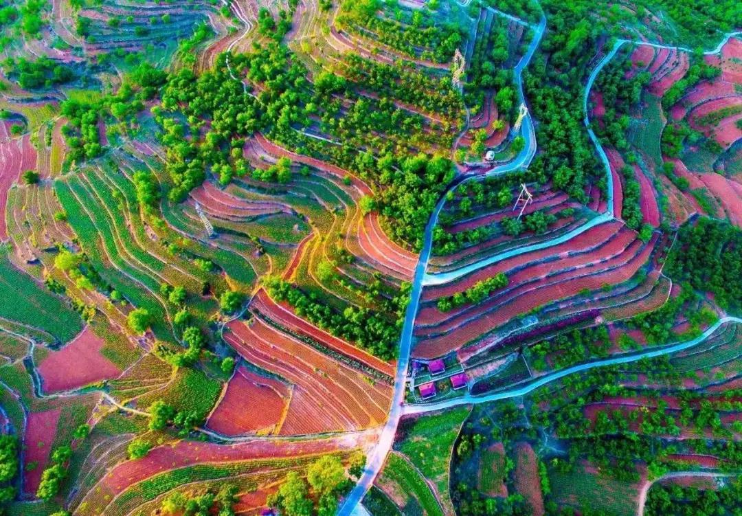 """农业特色小镇最好的可行性模式,就是""""田园综合体"""""""