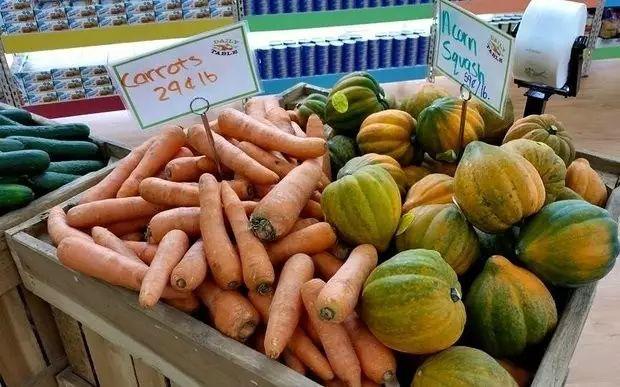 【商业案例】美国商业传奇老头,开超市卖过期食品,生意却好到爆的秘诀是啥?