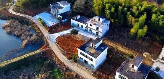 国务院发文,农业要赶超房地产! 进城农民宅基地会被收回?